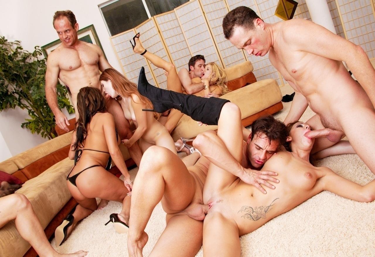 Screenshot 1 from the Manuel Ferrara's Slutty & Sluttier 6
