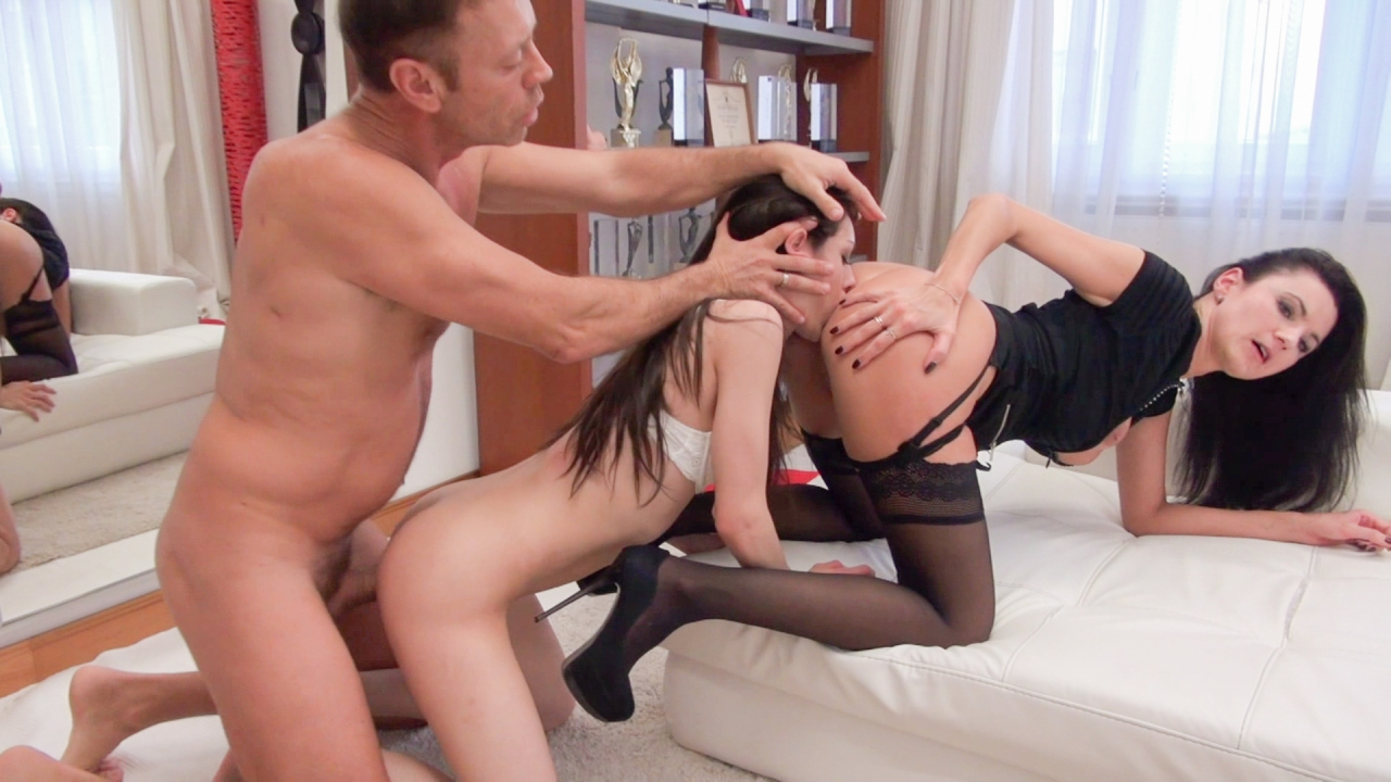 Screenshot 1 from the Rocco Siffredi's Rocco's Intimate Castings #6