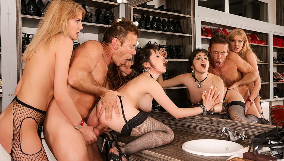 Screenshot 3 from the Rocco Siffredi's Rocco's Perfect Slaves #11
