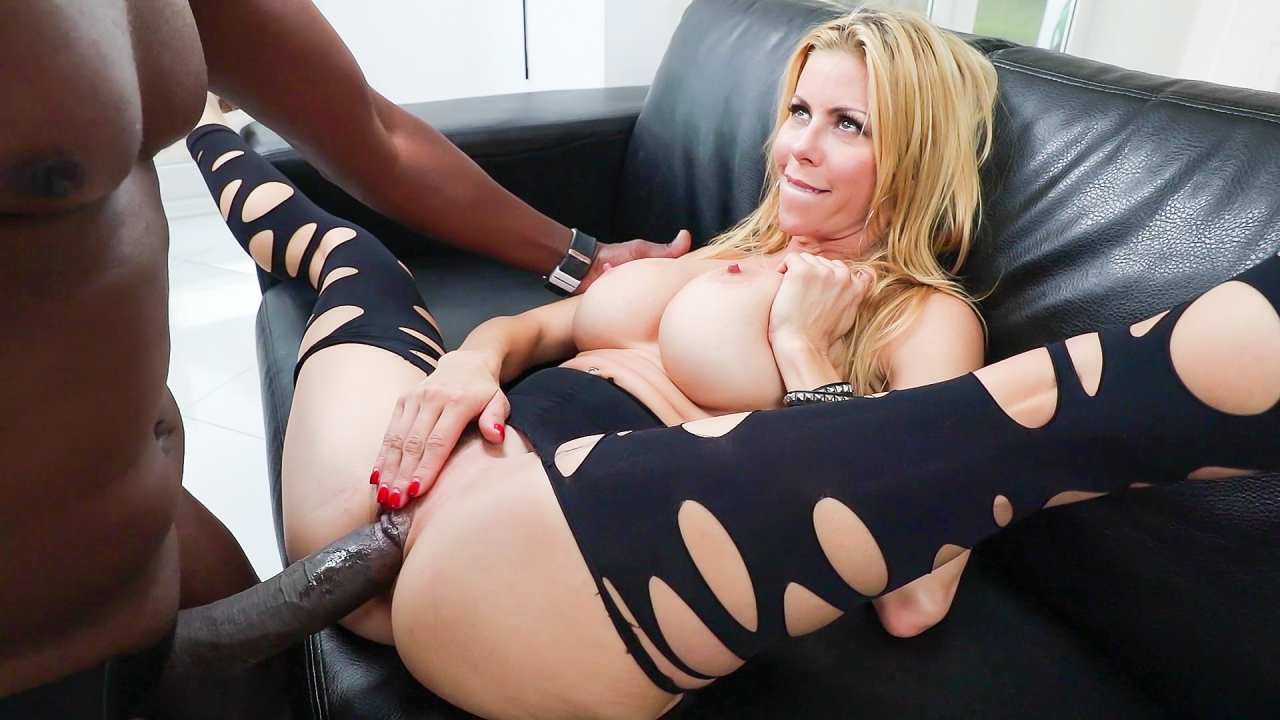 Screenshot 2 from the Lexington Steele's Lex's Breast Fest #8